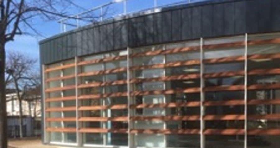 Photo des brises soleil réalisés sur le groupe scolaire de Saint-Maur-des Fossées par la société HProject.