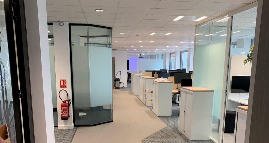Photo d'un espace de travail sur la tour PB5 EDF dont les travaux ont été réalisé par HProject